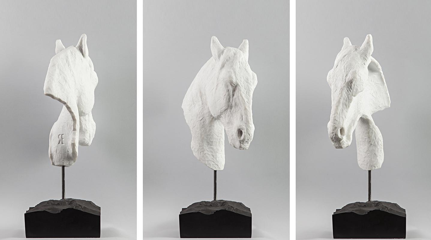 IL REDENTORE _  2014 _ Marmo bianco di Carrara su marmo nero del Belgio white marble of Carrara on black marble of Belgium