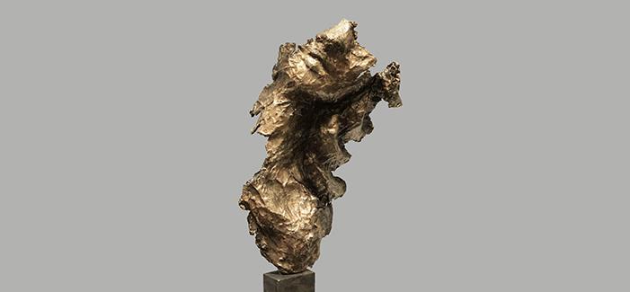 IKARIA x blog _ 2016, terra e lamiera di rame martellata, pigmenti minerali, resina su ferro, altezza cm 44 x 21 x12,6